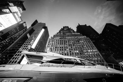 Azimut S6 arrived in Times Square