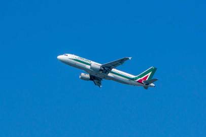 Alitalia: service with New York suspended until 31 May pending the improvement of the epidemiological picture