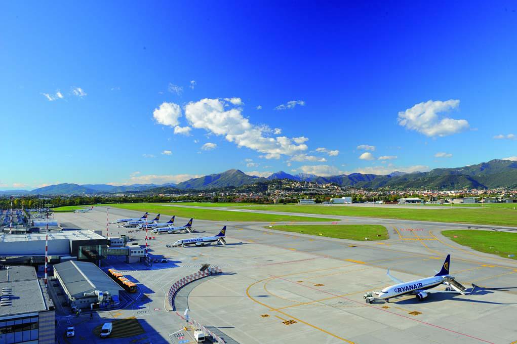 Sala Fumatori Aeroporto Palermo : Aeroporto di milano bergamo bgy avion tourism