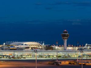 Terminal aereoporto monaco di baviera germania rm clip