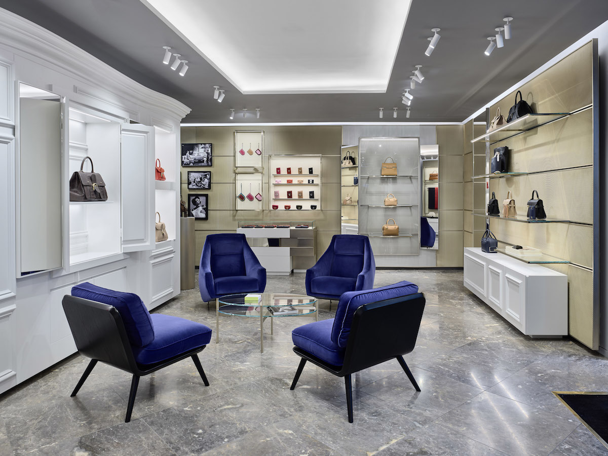 Delvaux, Fifth Avenue - New York.