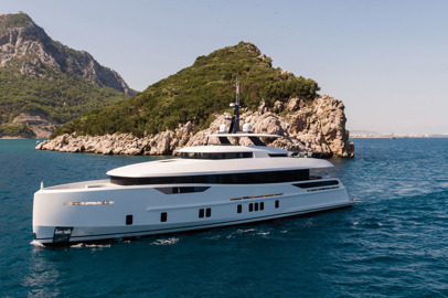 Superyacht nostalgici ed efficienti