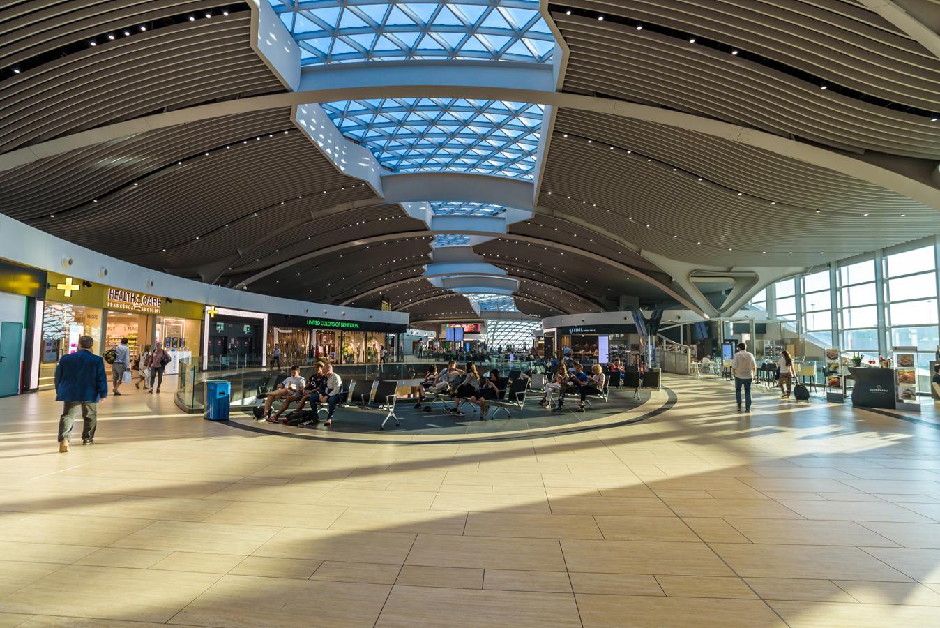 Aeroporto Di Fiumicino Migliore Aeroporto D Europa Per Il