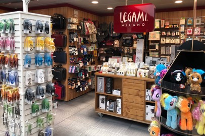Shopping in aeroporto: Legami